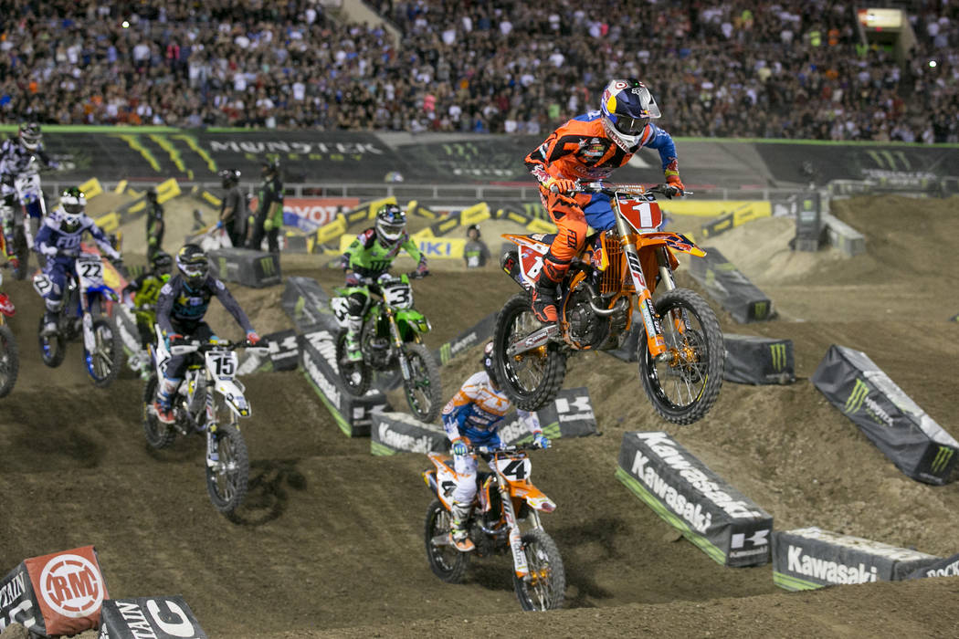 ryan dungey gets supercross three peat unsure about. Black Bedroom Furniture Sets. Home Design Ideas