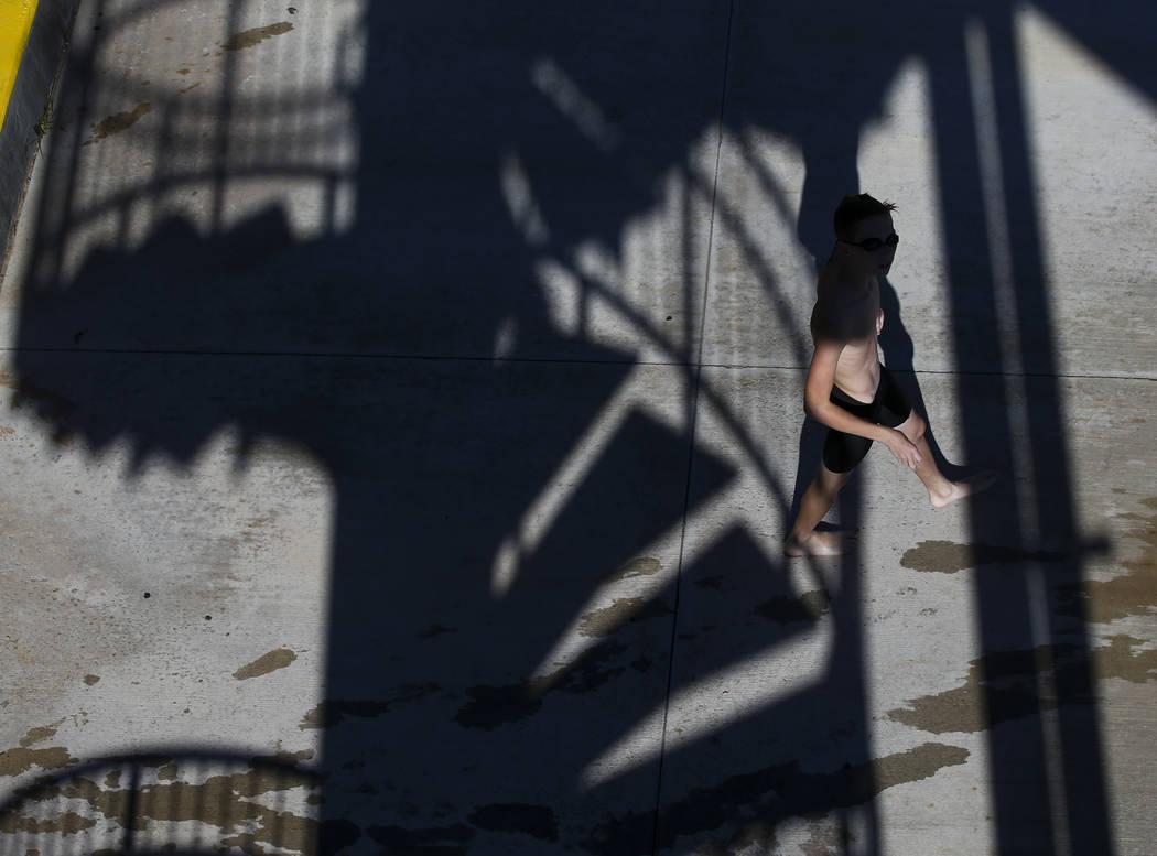 Moapa Valley freshman Spencer Raban during swim practice in Mesquite on Wednesday, May 3, 2017. Chase Stevens Las Vegas Review-Journal @csstevensphoto