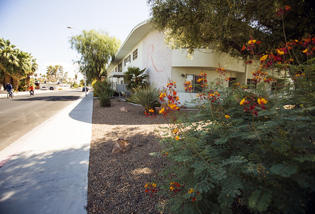 The midcentury modern The Rexford apartments, 1700 Rexford Drive, is seen Friday, Aug. 12, 2016, in the Beverly Green neighborhood.  Jeff Scheid/Las Vegas Review-Journal Follow @jeffscheid