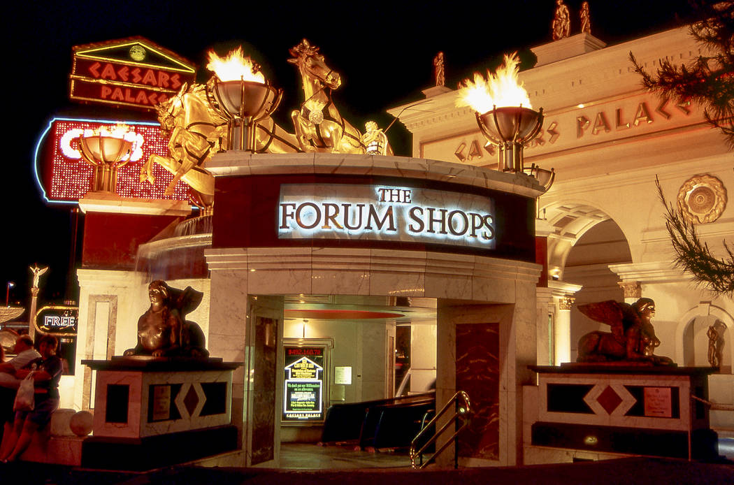 Forum Mall at Caesars Palace in 1994. Caesars Forum Shops.