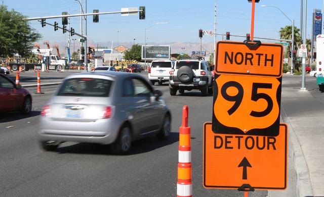The northbound U.S. Highway 95 detour sign is placed on Bonanza Road, near the Martin Luther King Boulevard on Tuesday, Sept. 6, 2016. Bizuayehu Tesfaye/Las Vegas Review-Journal @bizutesfaye