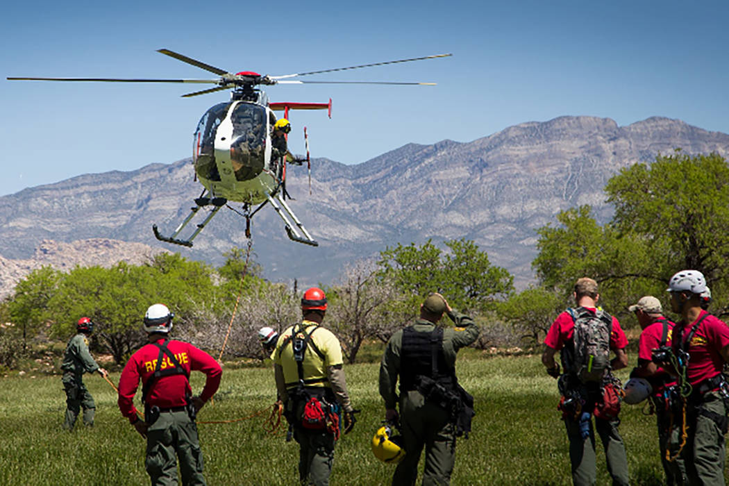 Officers and volunteers from Metro Search and Rescue prepare to perform a rescue demonstration at Spring Mountain Ranch State Park on May 14, 2016. (Metro Search and Rescue)