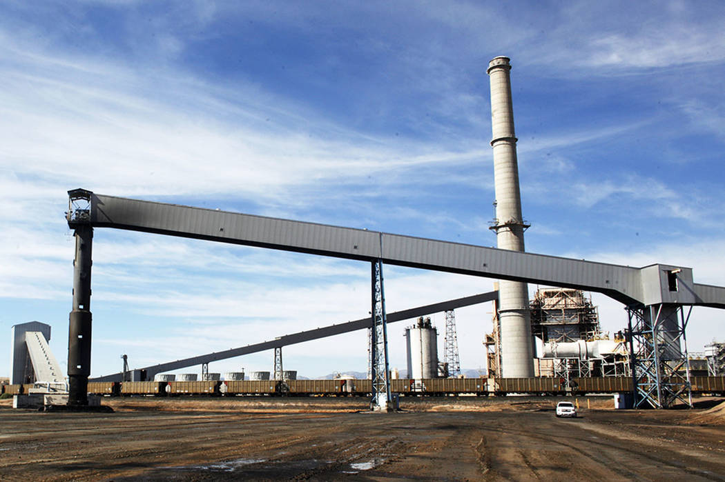 The Reid Gardner Generating Station in Moapa was shut down in March 2017. (Rachel Aston/Las Vegas Review-Journal)