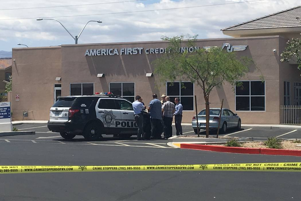 Las Vegas police are investigating an attempted robbery at America First Credit Union, 6090 S. Durango Drive, on Tuesday, May 9, 2017. (Bizuayehu Tesfaye/Las Vegas Review-Journal) @bizutesfaye