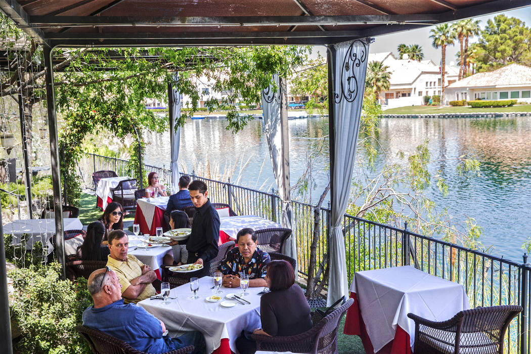 Lunch service on the patio at Americana on Wednesday, May 10, 2017, in Las Vegas. Benjamin Hager Las Vegas Review-Journal @benjaminhphoto