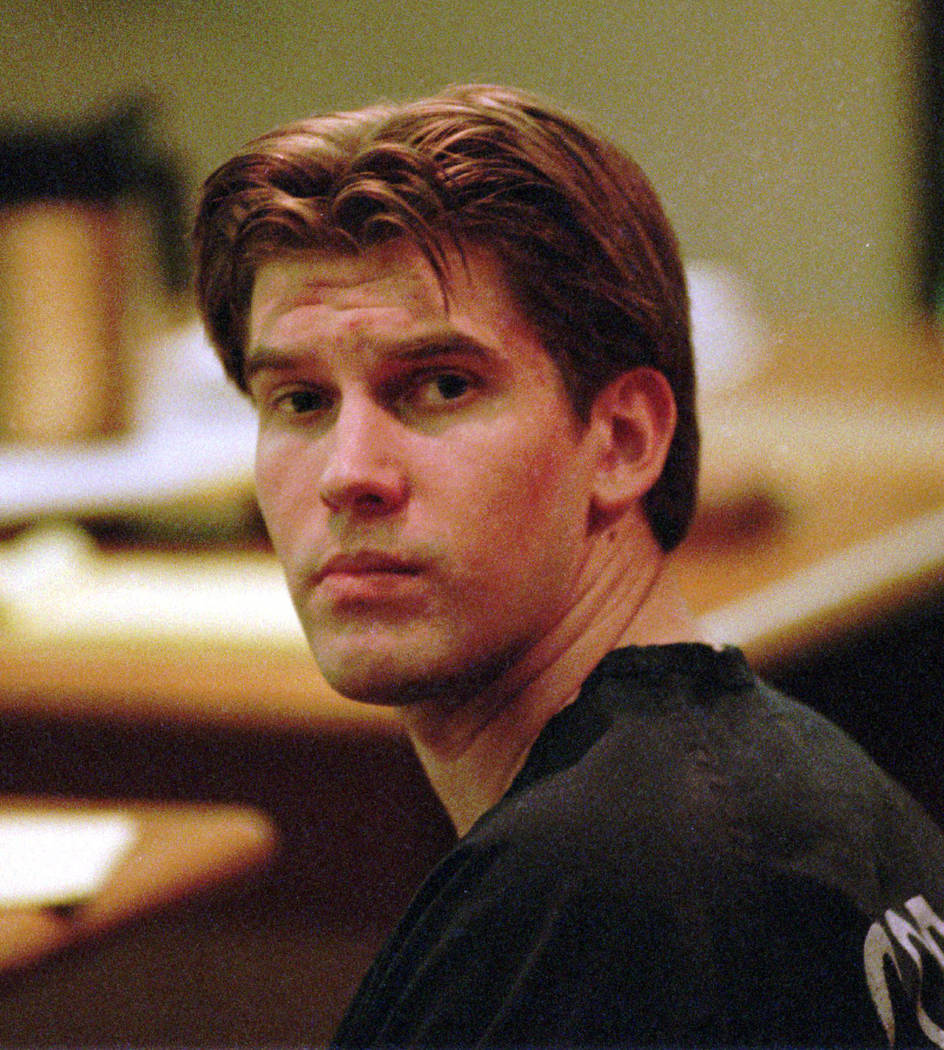 Nineteen-year-old Jeremy Strohmeyer looks around a Las Vegas courtroom Wednesday, Feb. 4, 1998 during a hearing on whether a confession he made in the May 25, 1997 slaying of 7-year-old Sherrice I ...