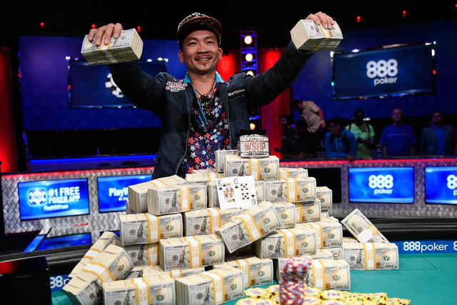 Qui Nguyen of Las Vegas celebrates his first-place victory at the final table at the 2016 World Series of Poker Main Event early Wednesday, Nov. 2, 2016, at the Rio. (Las Vegas Review-Journal)