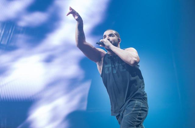 Drake headlines T-Mobile Arena on Sunday, Sept. 11, 2016, in Las Vegas. (Tom Donoghue)