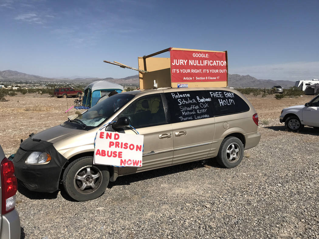 Bundy supporters have been protesting outside the Nevada Southern Detention Center in Pahrump for weeks. (Blake Apgar/Las Vegas Review-Journal)