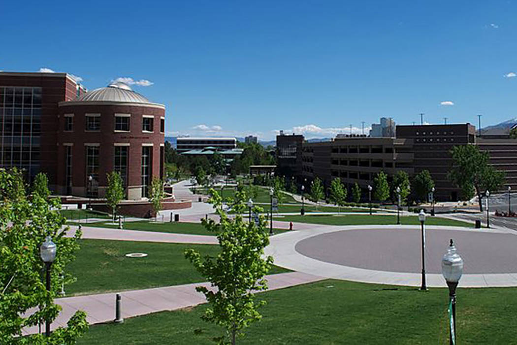 University of Nevada, Reno. Campus in front of Matthewson-IGT Knowledge Center. (DMIAT/WIKIMEDIA)