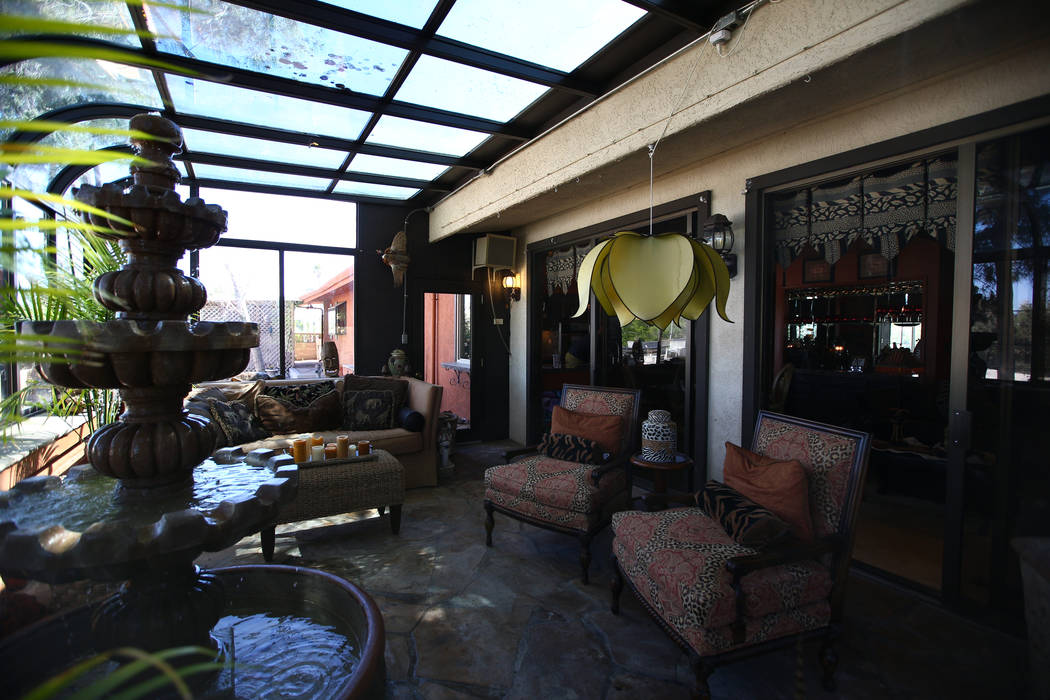 A 1969 Hollywood Regency style at 1705 S. 16th St. in Las Vegas on April 30, 2017. Miranda Alam Las Vegas Review-Journal
