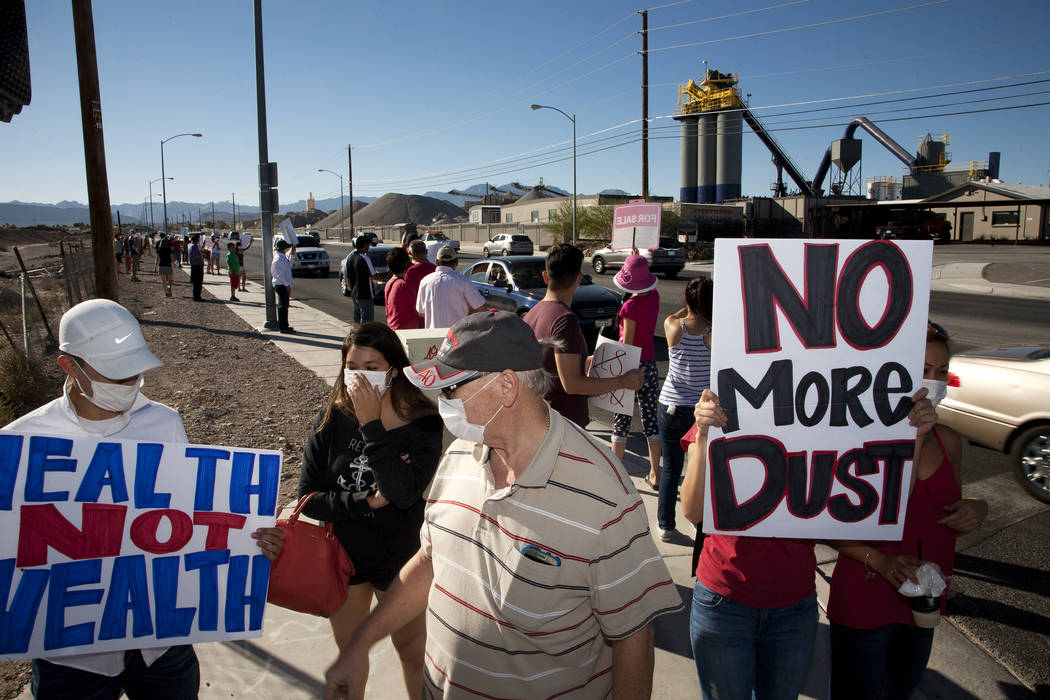 Residents of Spring Valley protest plans by Wells Cargo to construct a hot mix asphalt plant near Spring Valley High School in Las Vegas on Sunday, Oct. 2, 2016. Jeferson Applegate/Las Vegas Revie ...