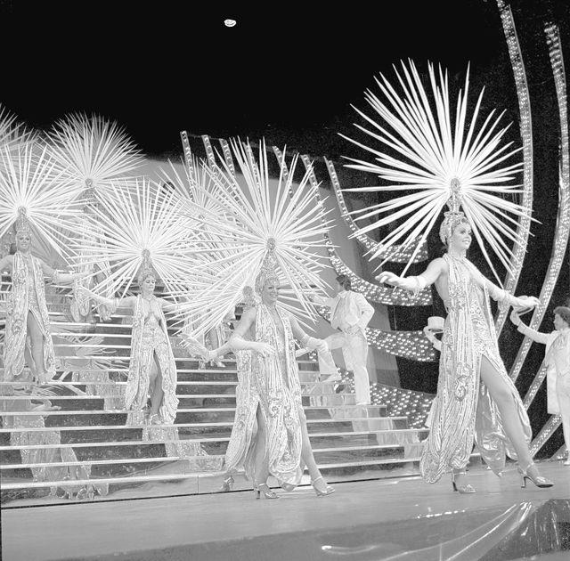 1975-31244-0059  Folies Bergere, Tropicana, Showgirls, 3/20/1975