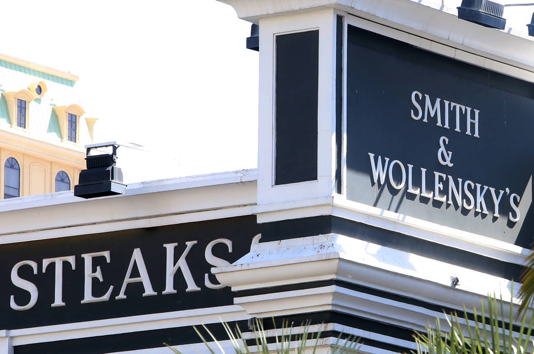 Investors have bought the Smith & Wollensky building, pictured here Tuesday, May 9, 2017, on the Strip for $59.5 million. (Bizuayehu Tesfaye/Las Vegas Review-Journal)