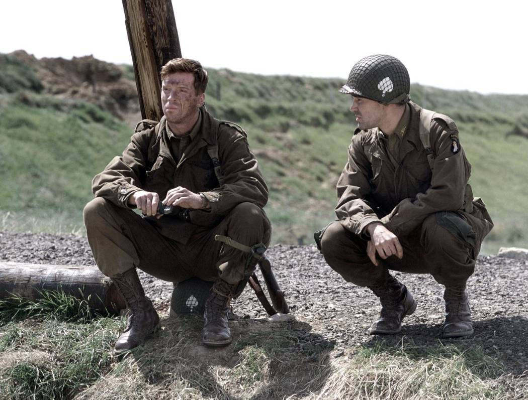 Damian Lewis and Ron Livingston in Band of Brothers. (HBO)