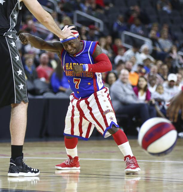 "Harlem Globetrotters guard Jonte ""Too Tall"" Hall (7) performs at T-Mobile Arena in Las Vegas on Thursday, Feb. 9, 2017. (Chase Stevens/Las Vegas Review-Journal) @csstevensphoto"