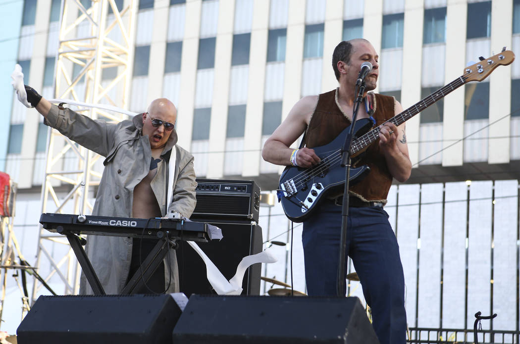 Tim Tim, left, and Erin Wood of The Spits perform during Punk Rock Bowling at the Downtown Las Vegas Events Center on Saturday, May 27, 2017. Chase Stevens Las Vegas Review-Journal @csstevensphoto