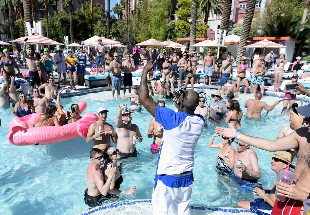 Coolio performs at Go Pool at Flamingo Las Vegas on Friday, May 26, 2017 (Bryan Steffy)