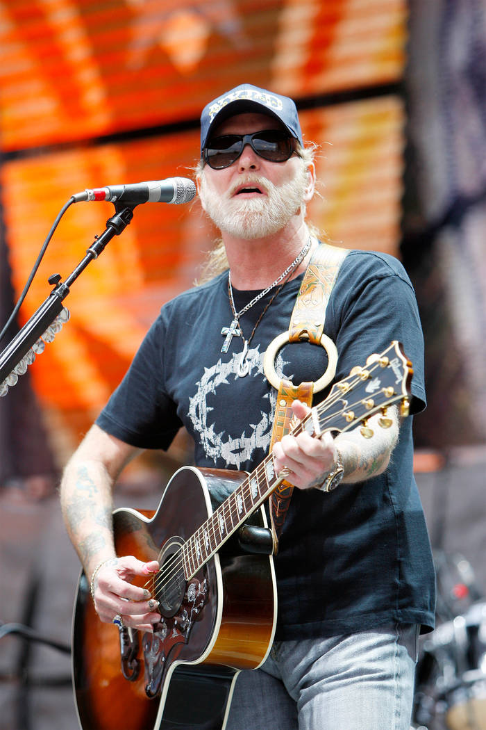"Gregg Allman performs during the 2007 ""Farm Aid"" concert in New York September 9, 2007. (Lucas Jackson/Reuters)"