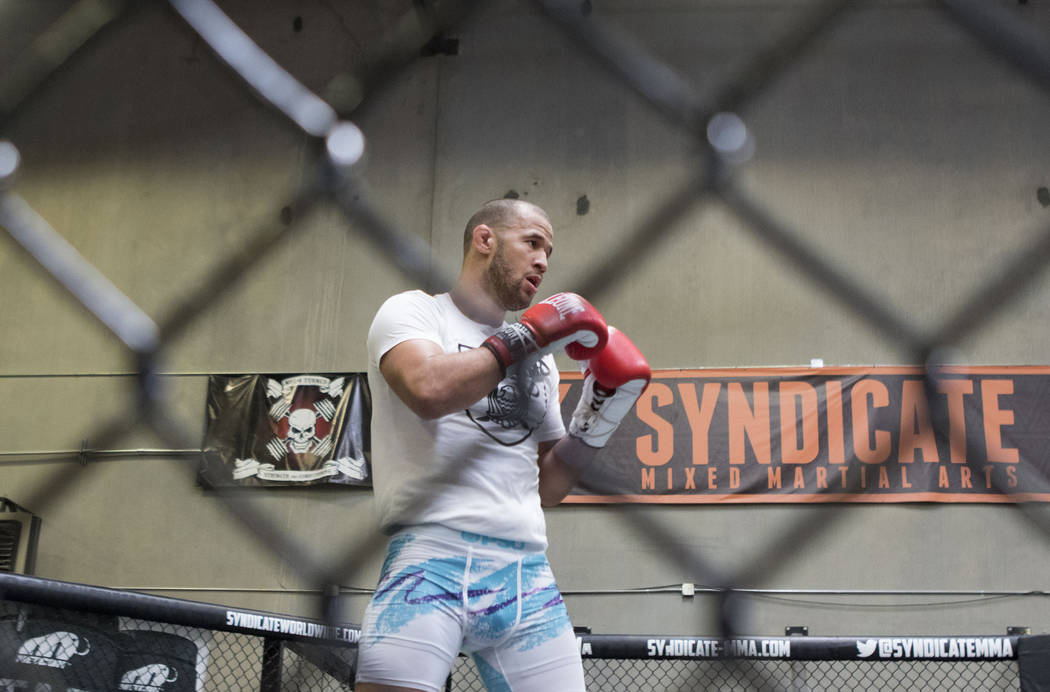 UFC middleweight Eric Spicely trains for his fight at UFC 212 against Antonio Carlos Junior at Syndicate MMA in Las Vegas on Wednesday, May 24, 2017. Heidi Fang/Las Vegas Review-Journal @HeidiFang