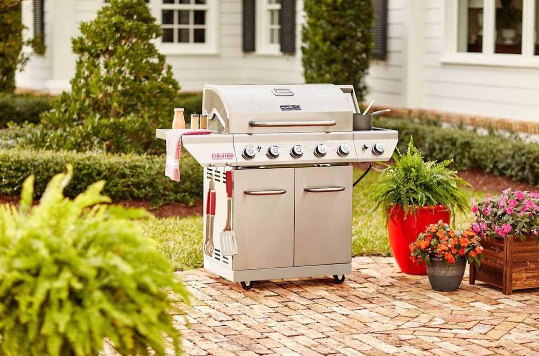 Home Depot The Nexgrill Evolution gas grill has removable stainless steel heat plates and firebox dividers to provide the grill master with ideal heat control. The five stainless steel main burner ...