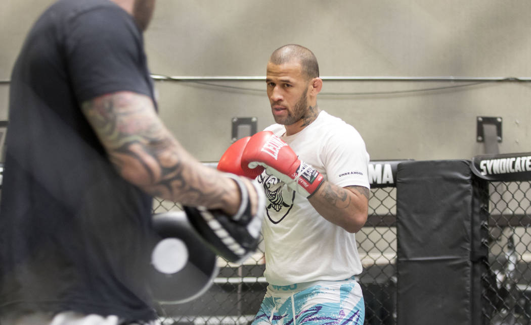 UFC middleweight Eric Spicely gets ready to hit mitts at Syndicate MMA in Las Vegas, Wednesday, May 24, 2017. Heidi Fang/Las Vegas Review-Journal @HeidiFang