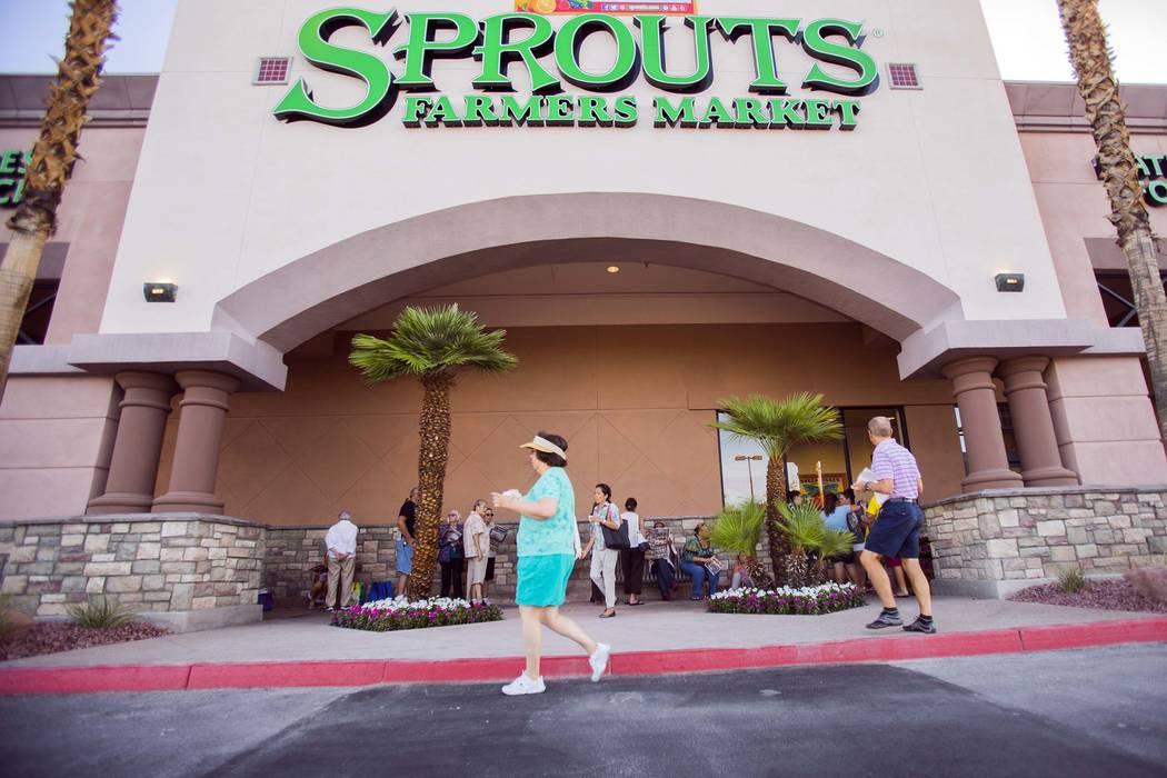 People wait in line for the grand opening of Sprouts Farmers Market, 7530 W. Lake Mead Blvd., June 29, 2016. (Jeff Scheid/Las Vegas Review-Journal) @jlscheid