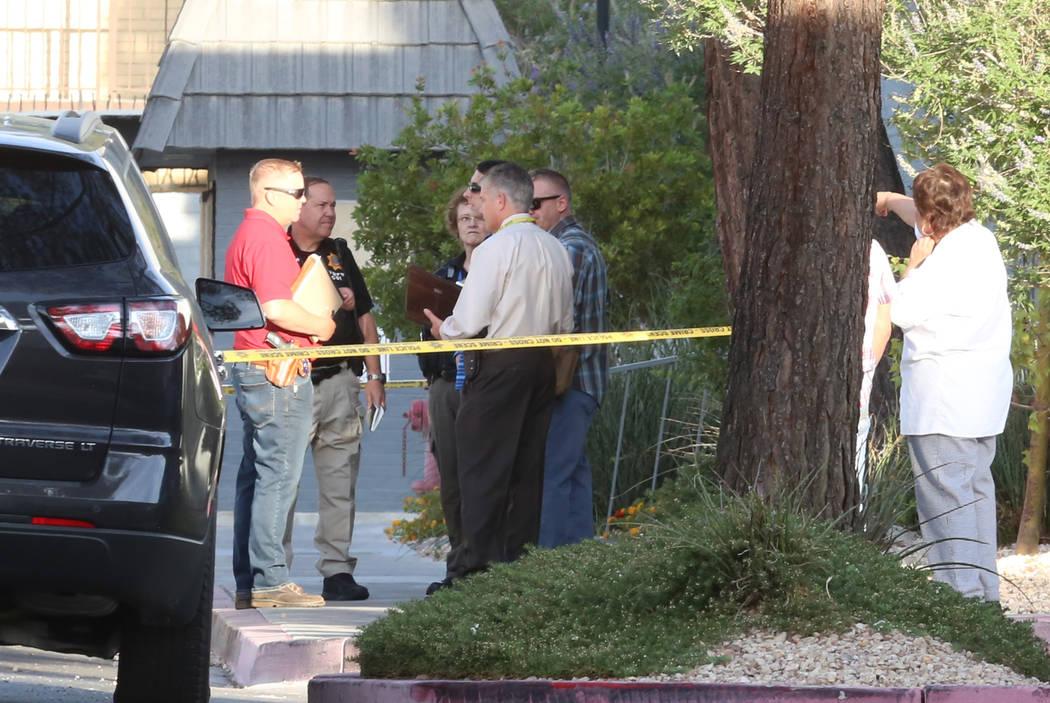 Las Vegas police investigate a homicide at 3825 S. Maryland Parkway early Wednesday May 31, 2017, in Las Vegas.  (Bizuayehu Tesfaye Las Vegas Review-Journal) @bizutesfaye