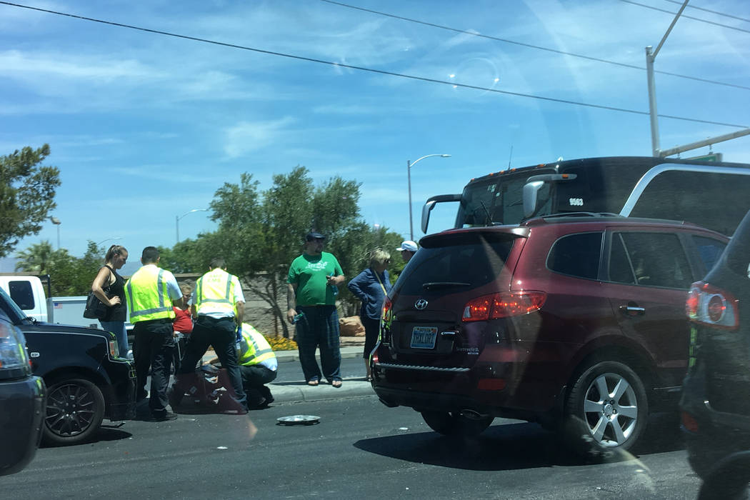 The Metropolitan Police Department investigates a six-vehicle crash near Charleston Boulevard and Buffalo Drive. Caitlin Lilly/Las Vegas Review-Journal