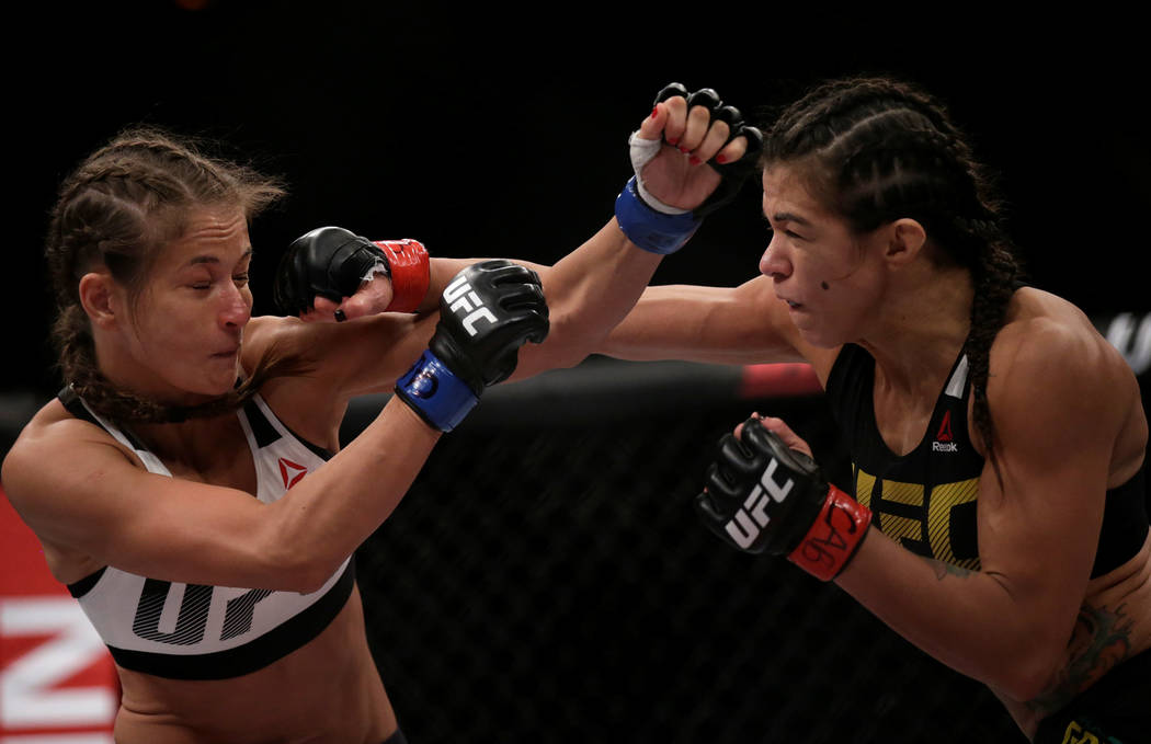 MMA - Mixed Martial Arts -  UFC 212 - Jeunesse Arena, Rio de Janeiro, Brazil - 3/6/17 - Claudia Gadelha (R) of Brazil and Karolina Kowalkiewicz of Poland in action. REUTERS/Ricardo Moraes