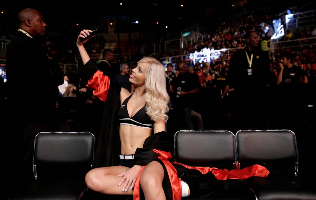 REFILE - CORRECTING TYPO IN MARTIAL MMA - Mixed Martial Arts -  UFC 212 - Jeunesse Arena, Rio de Janeiro, Brazil - 3/6/17 - Ring girl Jhenny Andrade takes a selfie. REUTERS/Ricardo Moraes