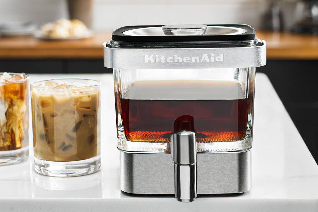 This KitchenAid coffee maker produces nearly effortless cold-brew coffee. Sur La Table