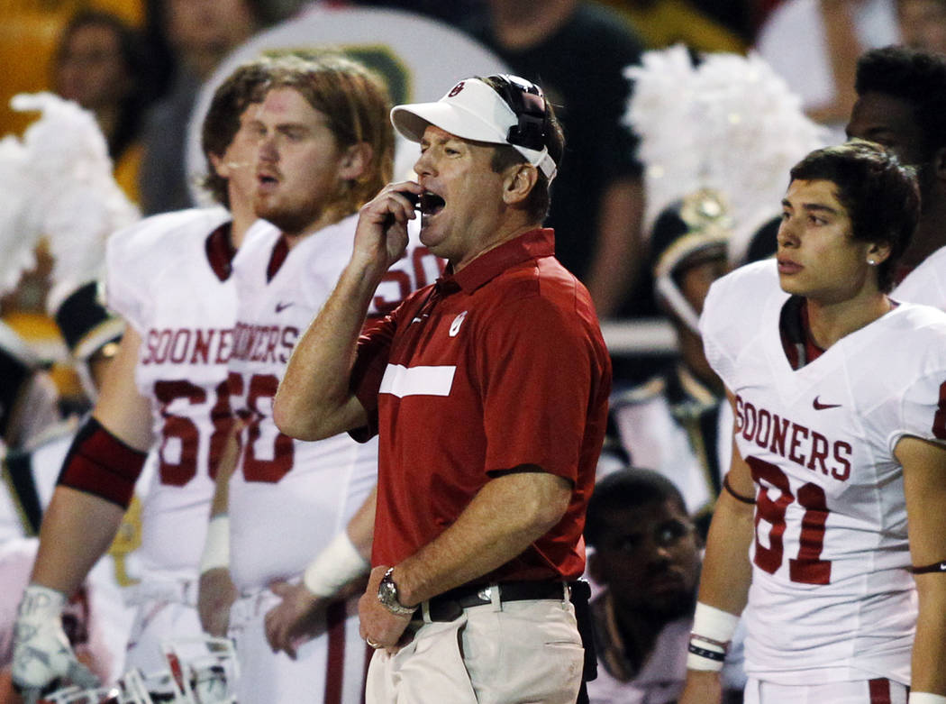 University of Oklahoma head coach Bob Stoops reacts after Baylor University scores in the first half of their NCAA Big 12 football game played at Floyd Casey Stadium in Waco, Texas November 19, 20 ...