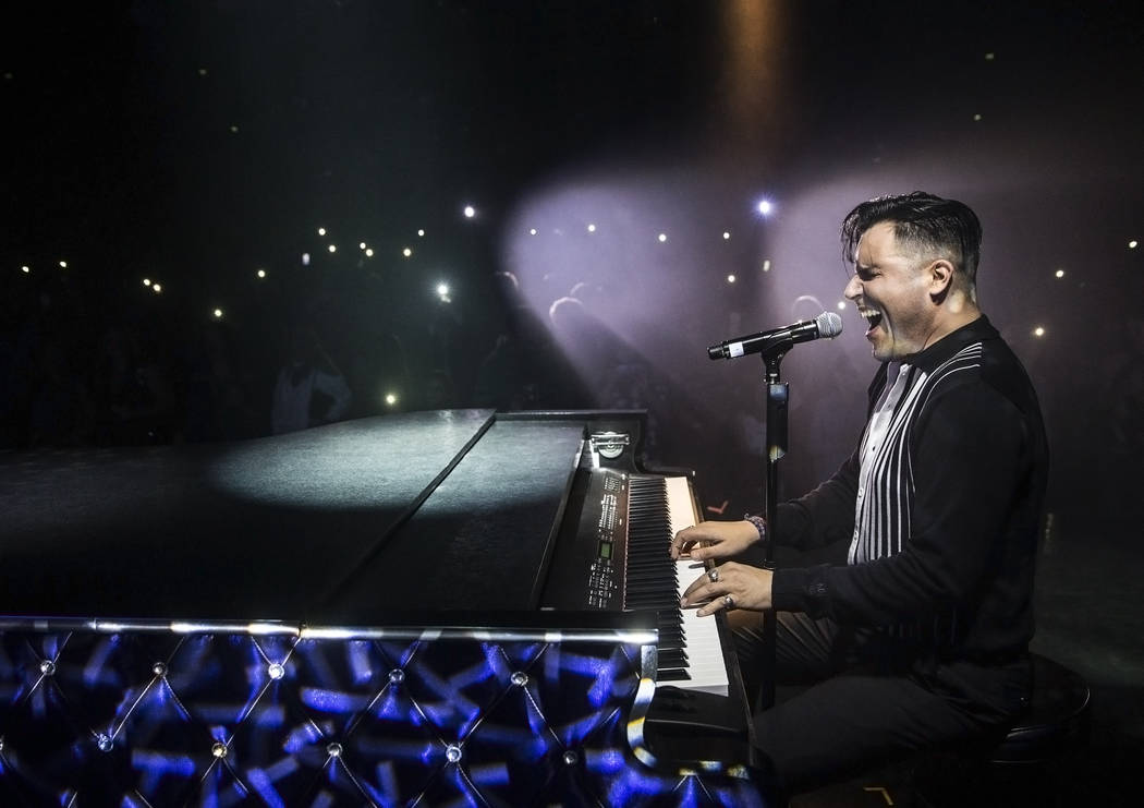 Frankie Moreno wows the crowd at Golden Nugget Showroom on Saturday, May 20, 2017, in Downtown Las Vegas. (Benjamin Hager/Las Vegas Review-Journal)