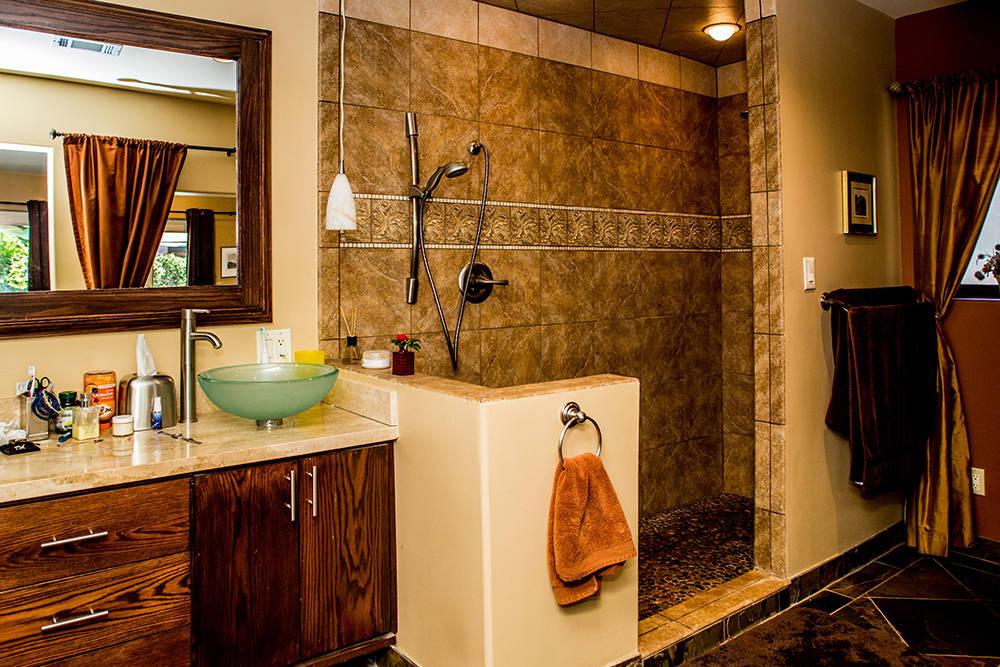 Master bath. (Tonya Harvey Real Estate Millions)