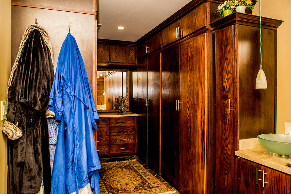 The master bath and closet. (Tonya Harvey Real Estate Millions)