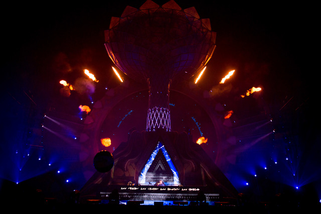 Artist Tiesto preforms on the stage kineticFIELD  the third night of Electric Daisy Carnival at Las Vegas Motor Speedway early Monday morning, June 20, 2016. (Elizabeth Brumley//Las Vegas Review-J ...