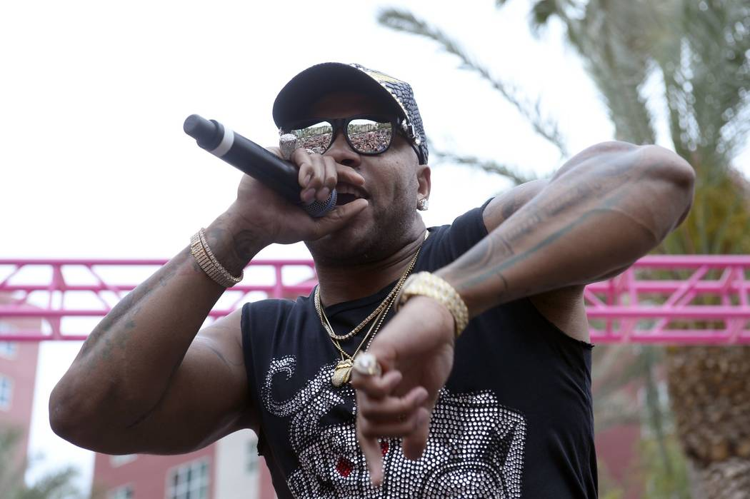 "Flo Rida turns GO Pool at The Flamingo into ""his house."" (Bryan Steffy)"