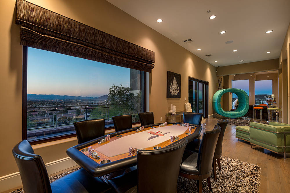 The poker room. (Luxury Estates International)