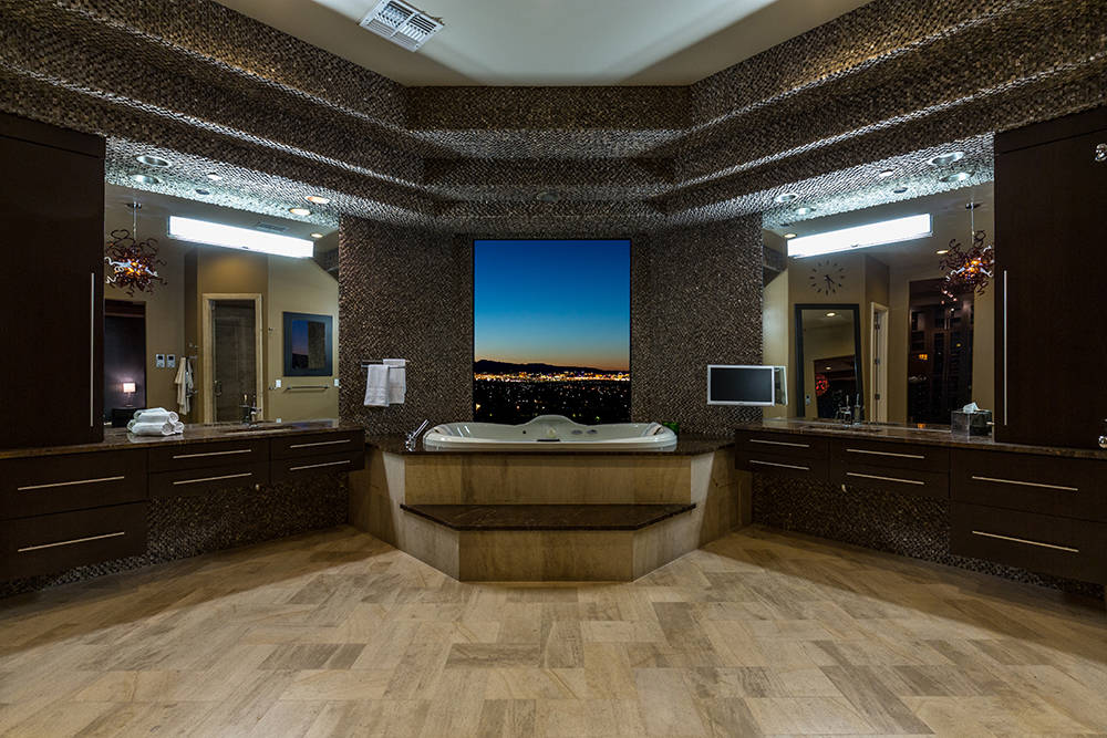 The master bath. (Luxury Estates International)