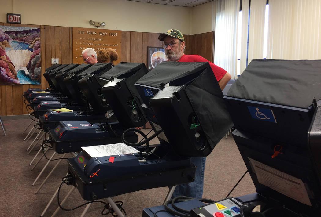 Boulder City residents vote early at city hall.  (Hali Bernstein Saylor/Boulder City Review)
