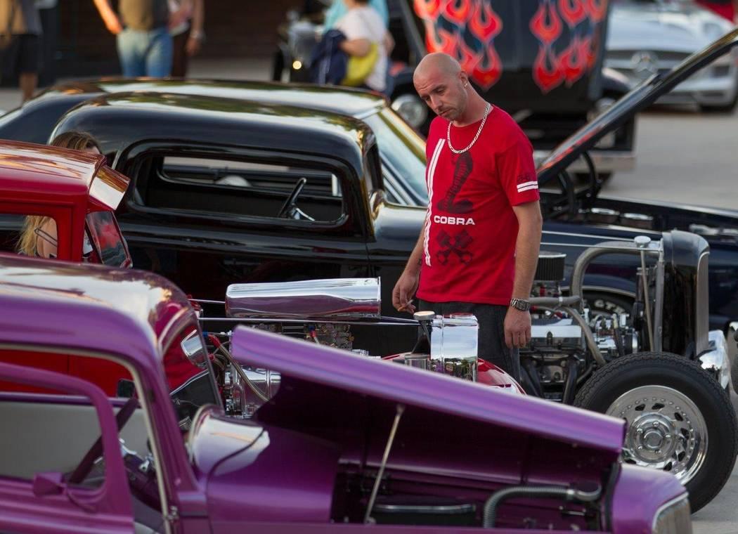 Photos Vintage Cars On Parade Las Vegas Review Journal