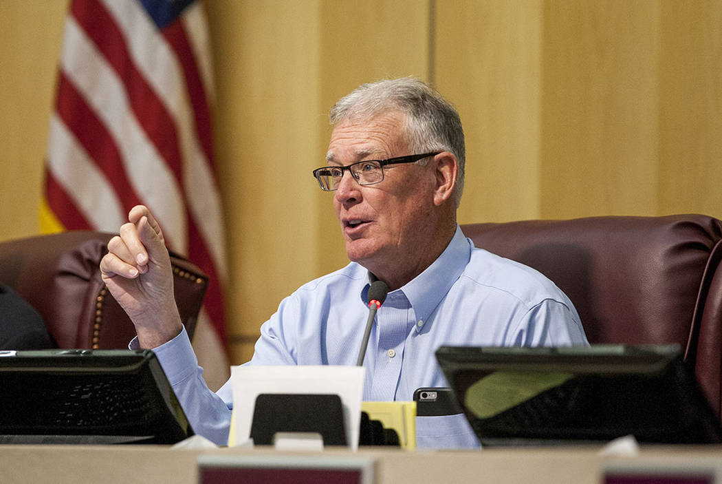 Henderson Mayor Andy Hafen asks questions during a special meeting in the Henderson City Council Chambers on Thursday, June 15, 2017.  Patrick Connolly Las Vegas Review-Journal @PConnPie