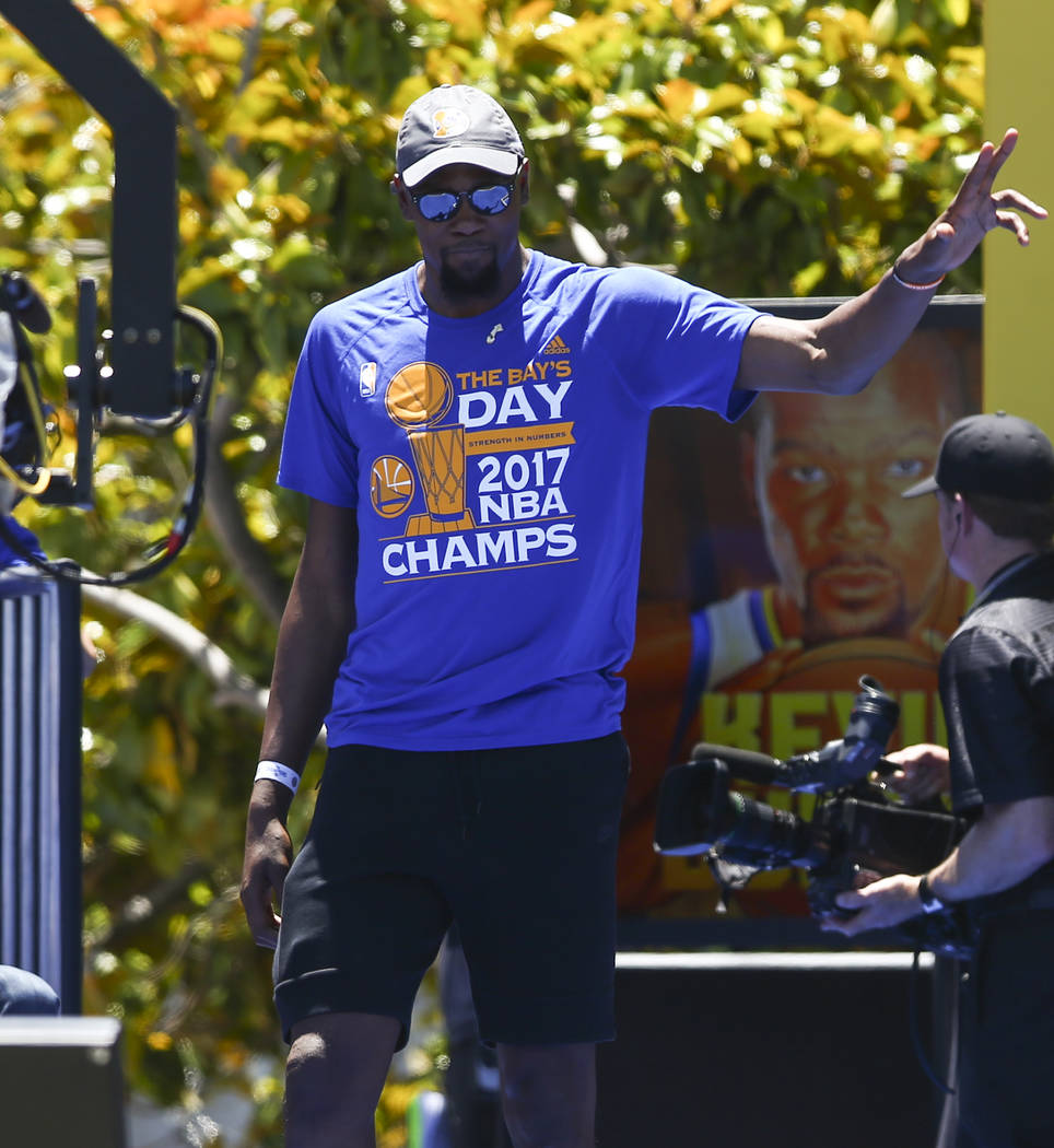 Golden State Warriors' Kevin Durant during the team's victory parade and rally in downtown Oakland, Calif. on Thursday, June 15, 2017. Chase Stevens Las Vegas Review-Journal @csstevensphoto