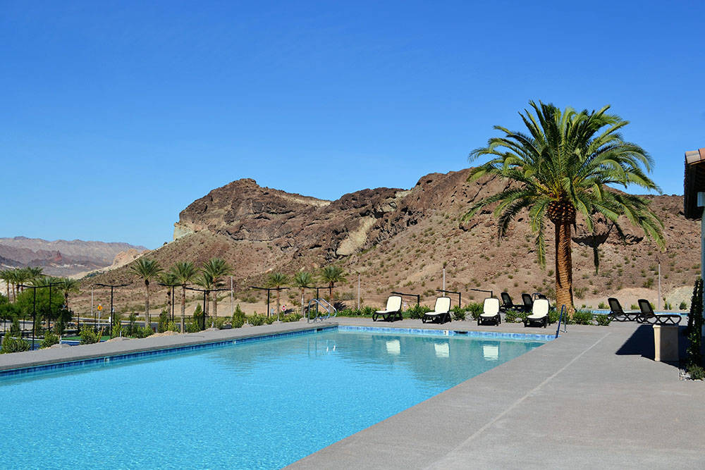 The community has pools and other amenities. (Lake Las Vegas)