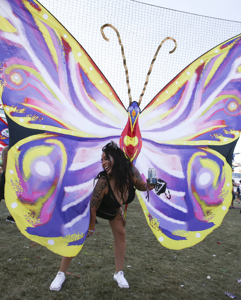 Janette Chavez dances during the last day of the Electric Daisy Carnival at the Las Vegas Motor Speedway on Sunday, June 18, 2017. Chase Stevens Las Vegas Review-Journal @csstevensphoto