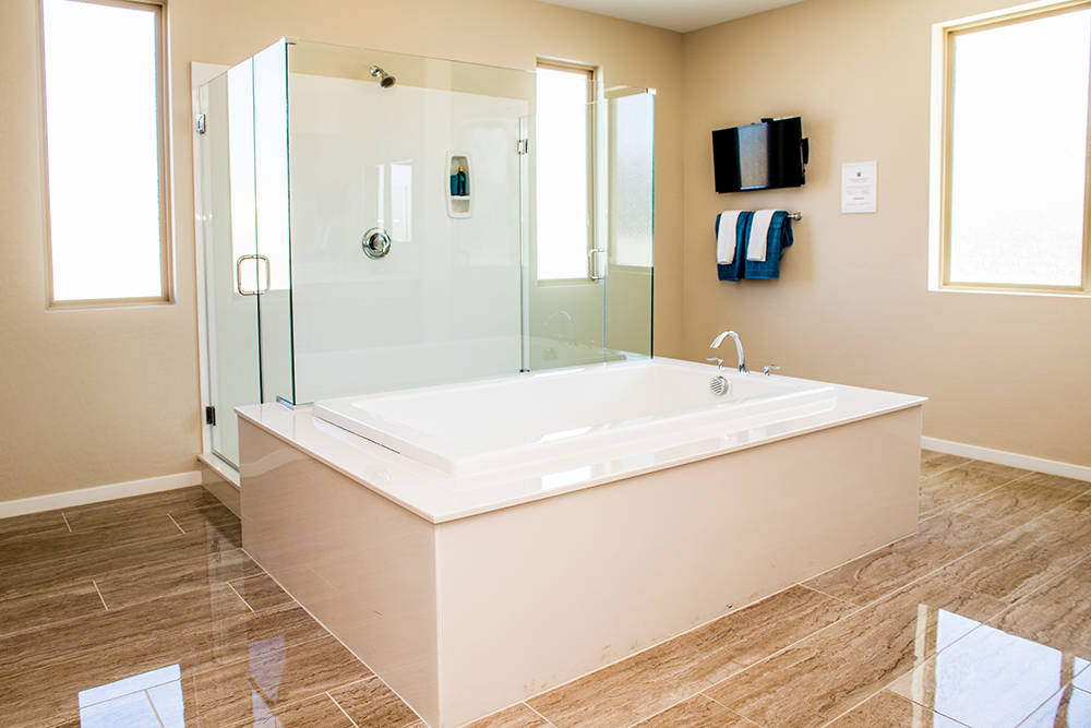 The bath in Jeffery Ho's new home in Lennar's The Canyons in Henderson. (Tonya Harvey RjNewHomes.Vegas)
