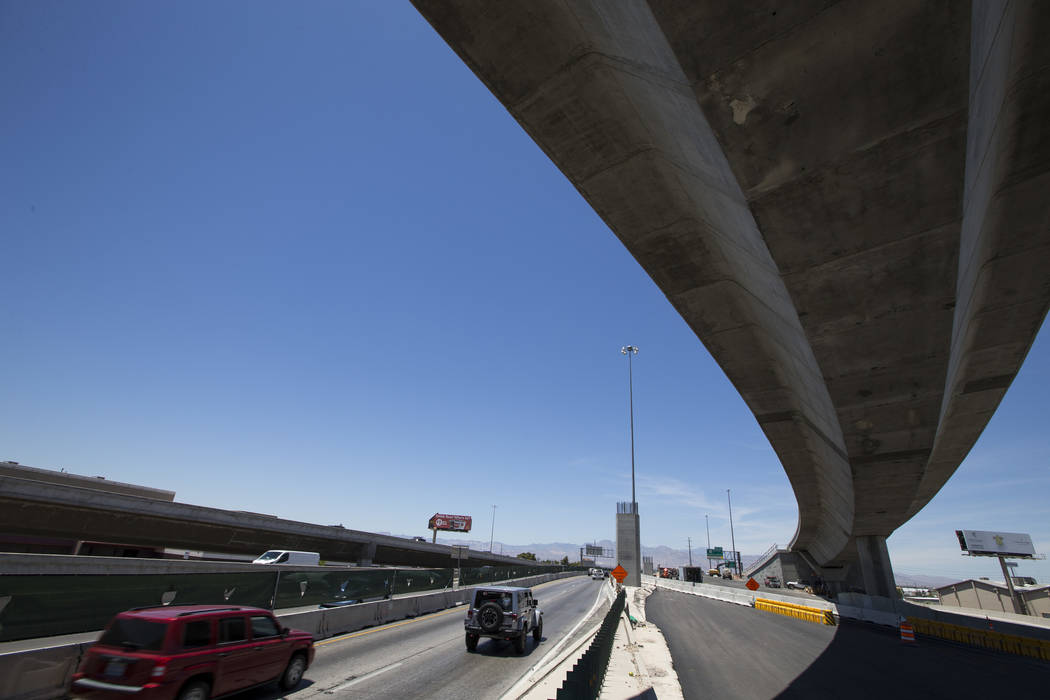 Traffic moves along northbound U.S. Highway 95 near Martin Luther King Boulevard in Las Vegas on Saturday, June 17, 2017. Richard Brian Las Vegas Review-Journal @vegasphotograph