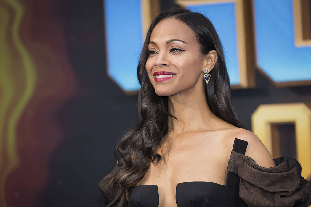 Actress Zoe Saldana poses for photographers upon arrival at the premiere of the film 'Guardians of the Galaxy Vol. 2', in London, Monday, Apr. 24, 2017. (Foto Vianney Le Caer/Invision/AP)