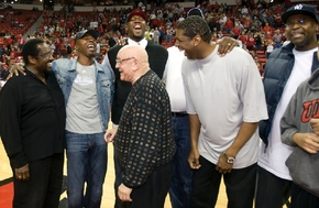 Members of the UNLV Runnin' Rebels 1990 national champion team, from left, Assistant Coach Cleveland Edwards, Greg Anthony, Head Coach Jerry Tarkanian, David Butler, Chris Jeter (behind), James J ...